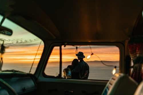 lahjakortti matkailuauton vuokraukseen häälahjaksi